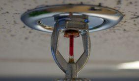 Fire_sprinkler_roof_mount_side_view