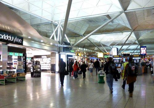 london_stansted_airport_-_duty_free_zone