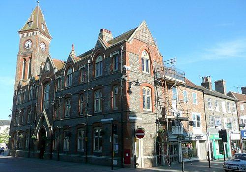 newbury_town_hall_-_geograph-org-uk_-_1342000
