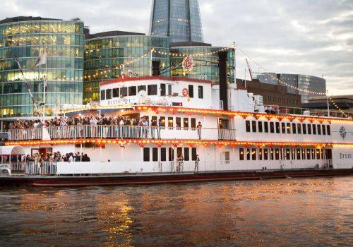 dixie-queen-paddle-steamer